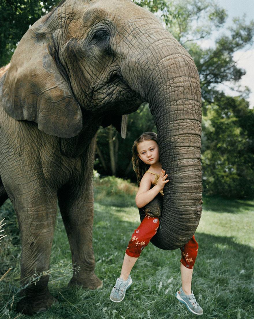 amelia-e-gli-animali-fotografia-esotica-robin-schwartz-01
