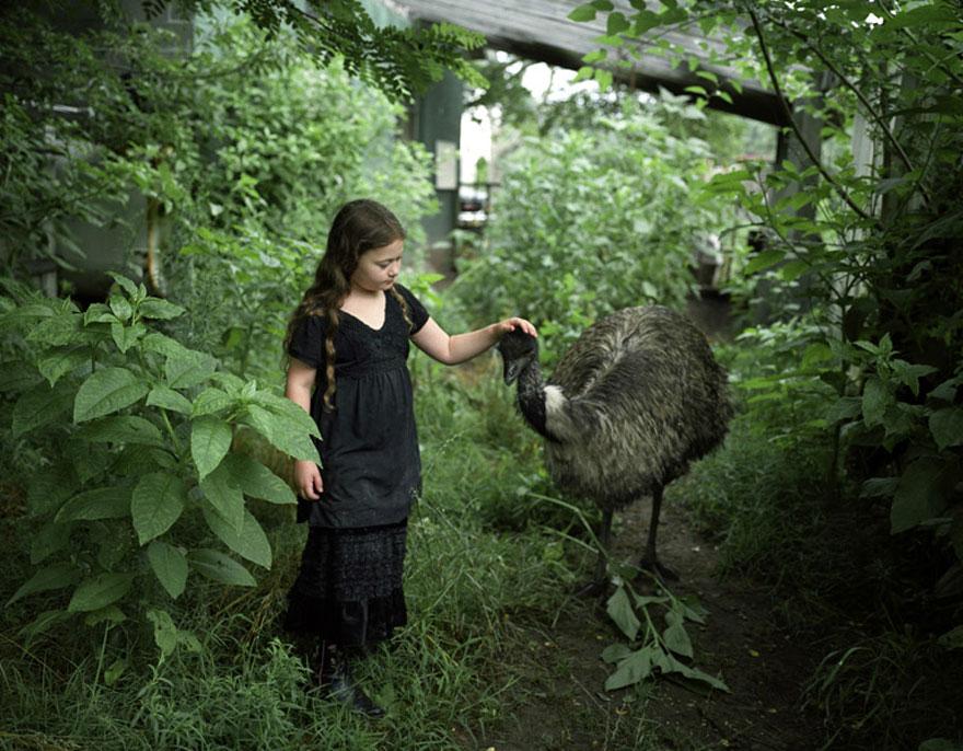 amelia-e-gli-animali-fotografia-esotica-robin-schwartz-05