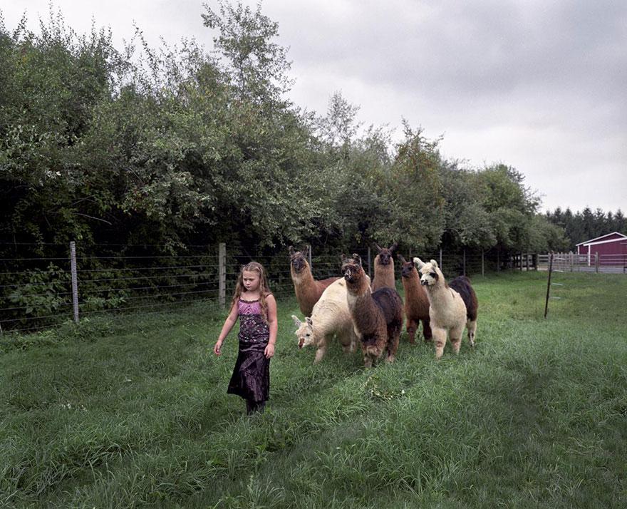 amelia-e-gli-animali-fotografia-esotica-robin-schwartz-16