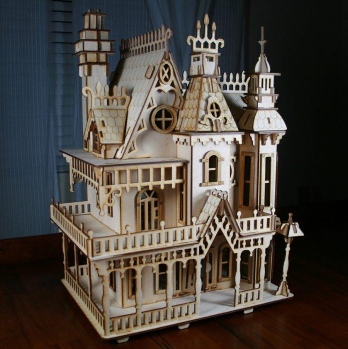Antiche case vittoriane in legno per le bambole di for Case vittoriane su misura