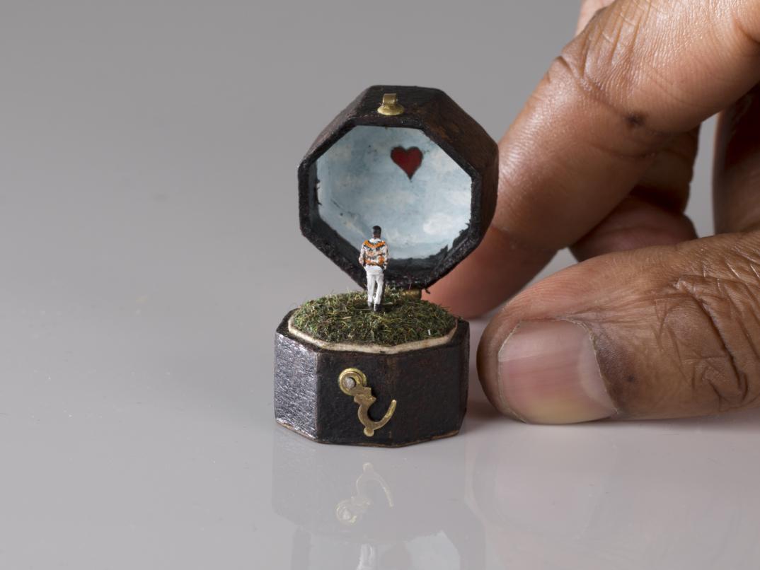 Risultati immagini per scatoletta con anello