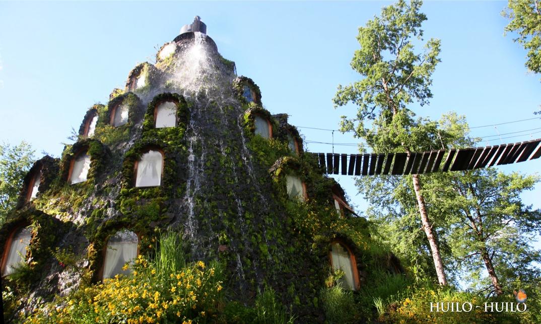 hotel-albergo-cile-cascata-acqua-magica-montagna-1