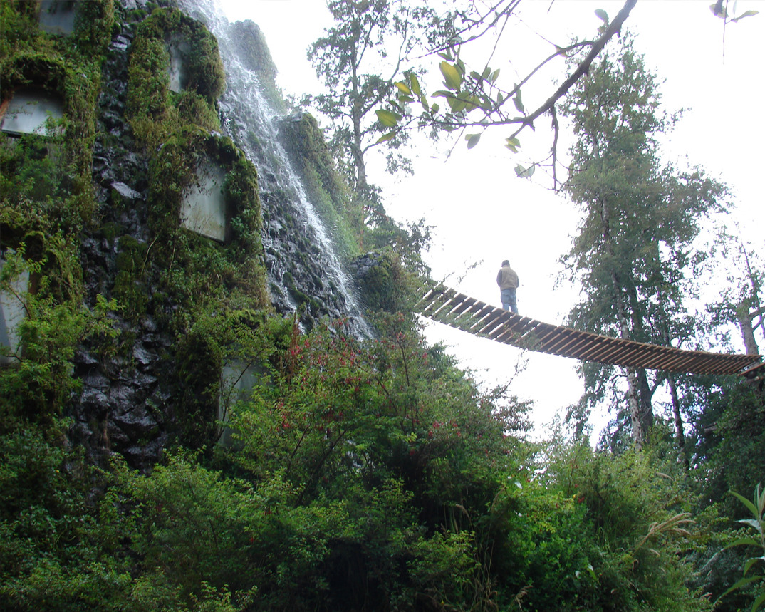hotel-albergo-cile-cascata-acqua-magica-montagna-2