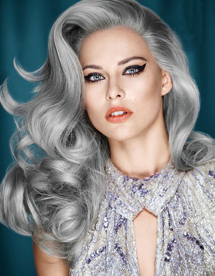 La nuova moda dei capelli grigi  giovani ragazze che si tingono i capelli  di grigio - KEBLOG 3a2b17db5388