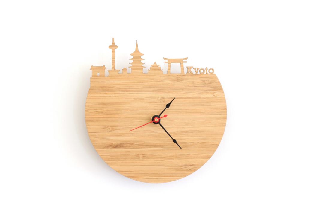 Un orologio da parete in legno per ogni citt del mondo for Orologi da parete vintage