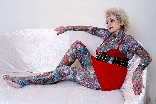 persone-anziane-tatuaggi-02