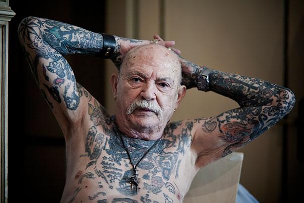 persone-anziane-tatuaggi-06