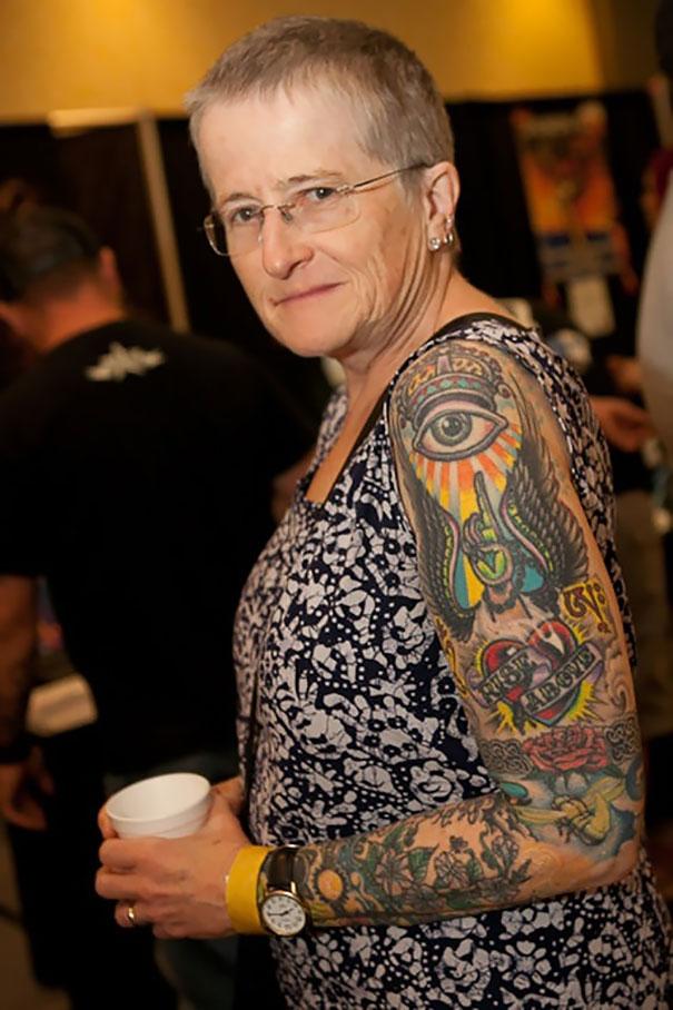 persone-anziane-tatuaggi-08