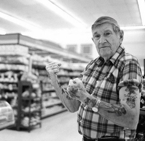 persone-anziane-tatuaggi-10