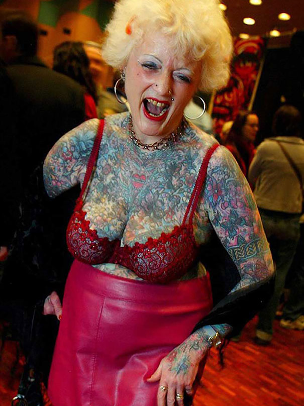 persone-anziane-tatuaggi-13