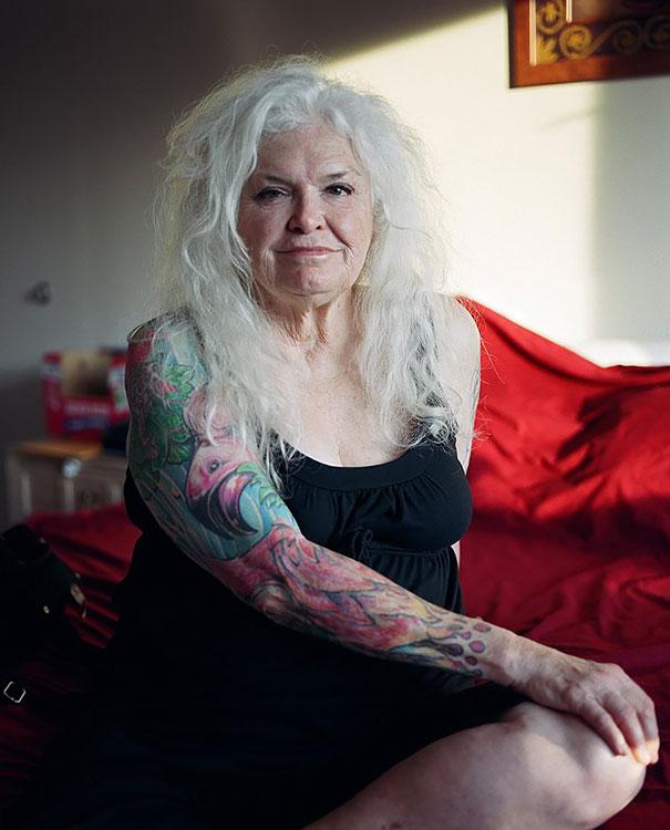 persone-anziane-tatuaggi-17
