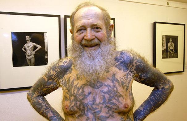 persone-anziane-tatuaggi-24