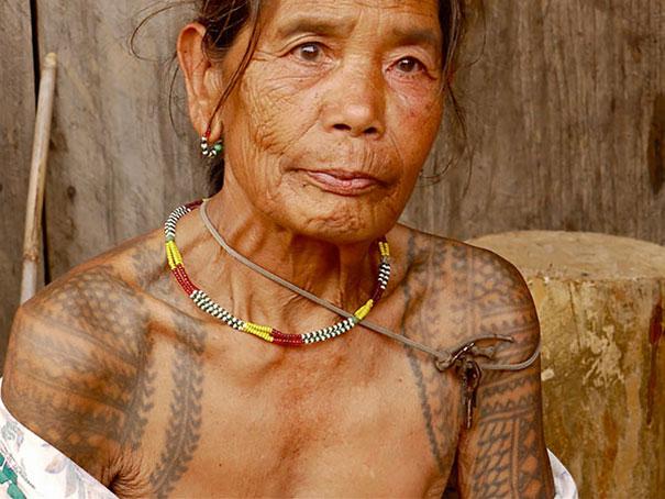 persone-anziane-tatuaggi-30