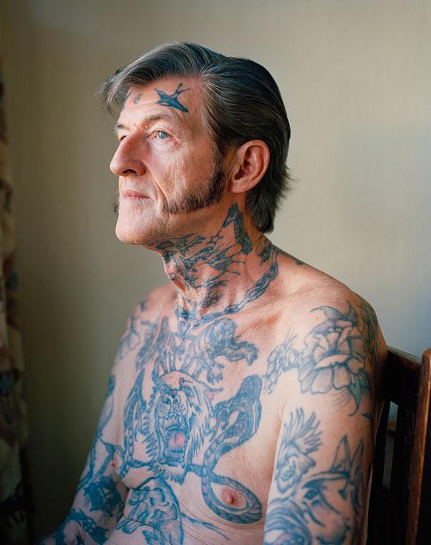 persone-anziane-tatuaggi-34