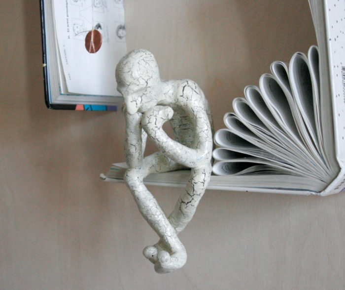 sculture-carta-pagine-libri-pensatore-Kenjio-16