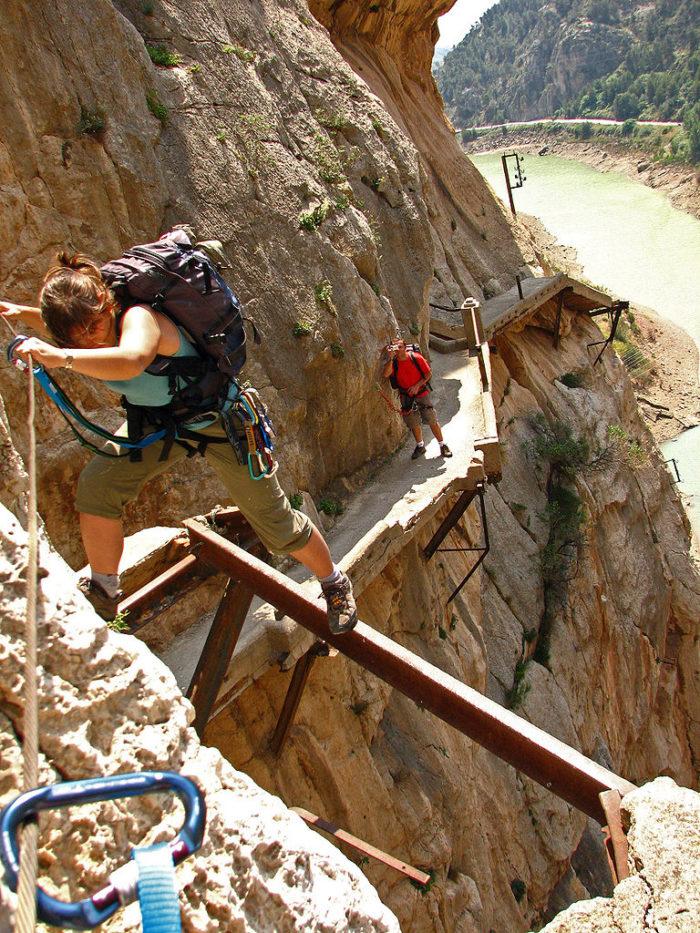 sentiero-percorso-cammino-pericoloso-mortale-del-mondo-el-caminito-del-rey-01
