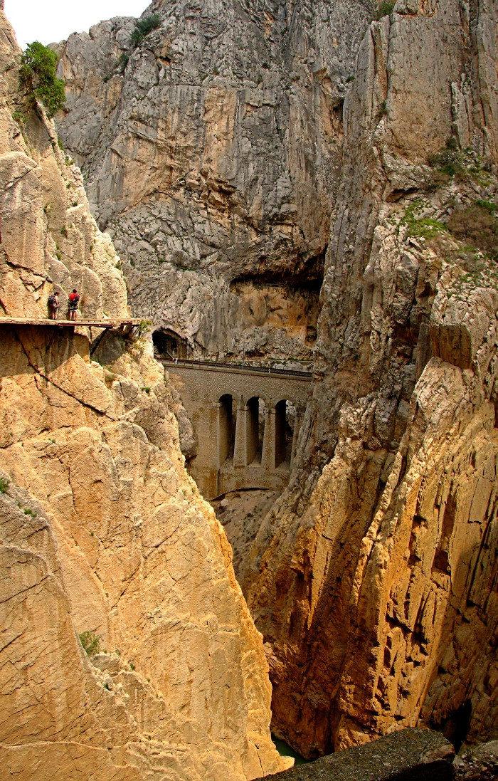 sentiero-percorso-cammino-pericoloso-mortale-del-mondo-el-caminito-del-rey-03