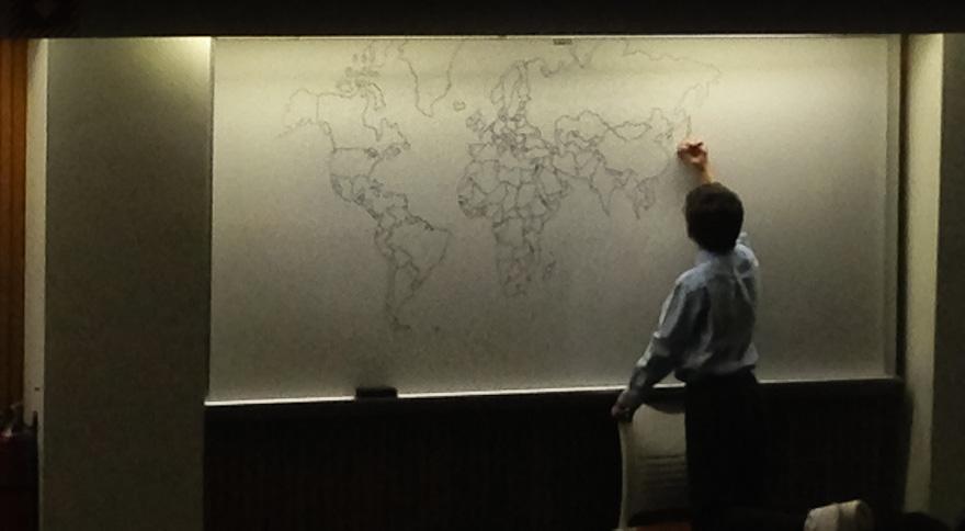 bambino-autistico-11-anni-disegna-mappa-mondo-a-memoria-2