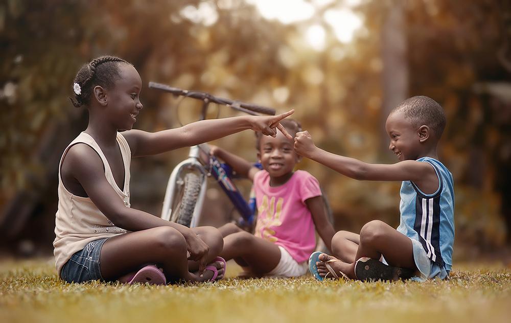 foto-bambini-che-giocano-giamaica-Adrian-McDonald-04