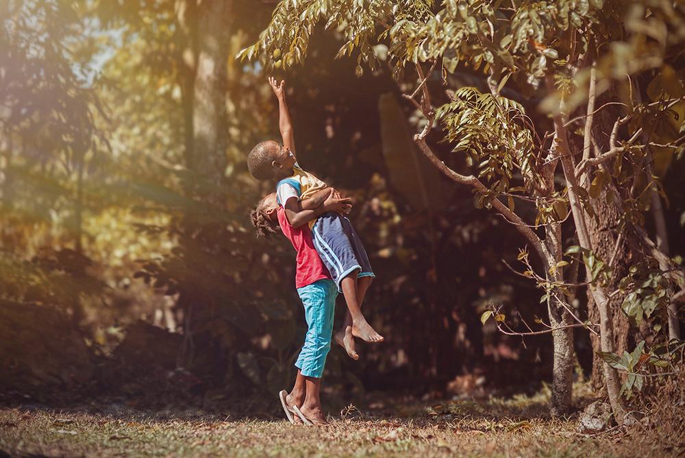 foto-bambini-che-giocano-giamaica-Adrian-McDonald-09