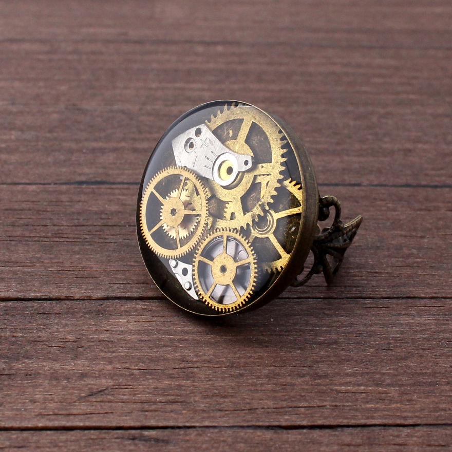 Gioielli steampunk vecchi orologi meccanici