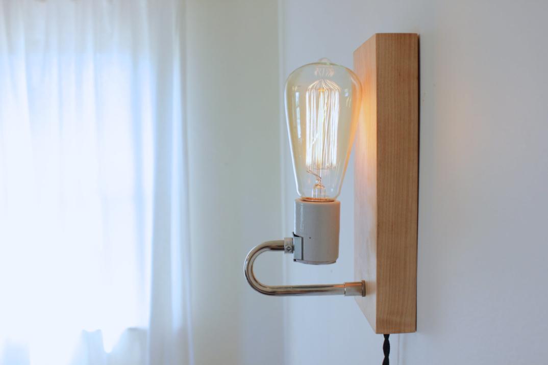Le lampade da tavolo e applique dallo stile moderno rustico e