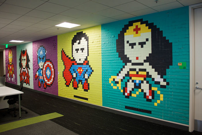 pareti-ufficio-post-it-arte-supereroi-ben-brucker-07