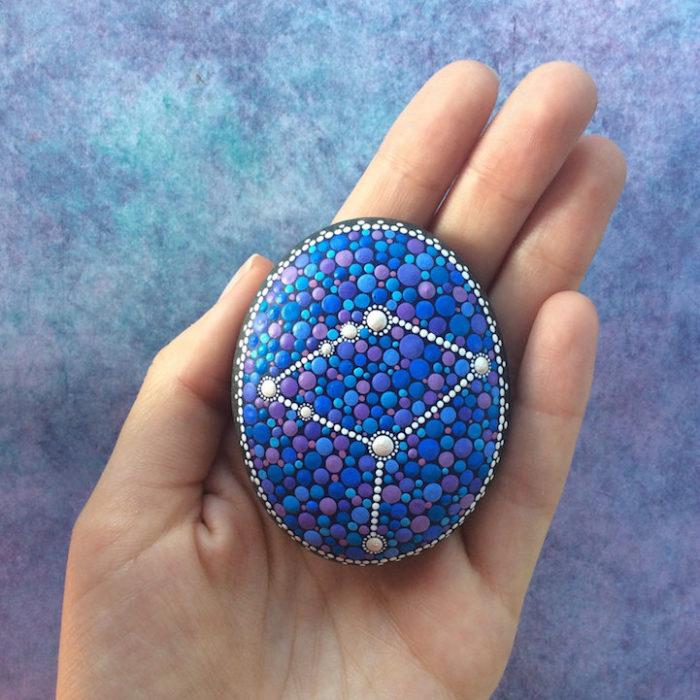 pietre-sassi-ciottoli-mare-decorati-colorati-10