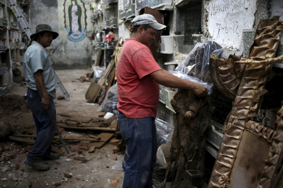 pulitori-tombe-guatemala-corpi-mummie-03