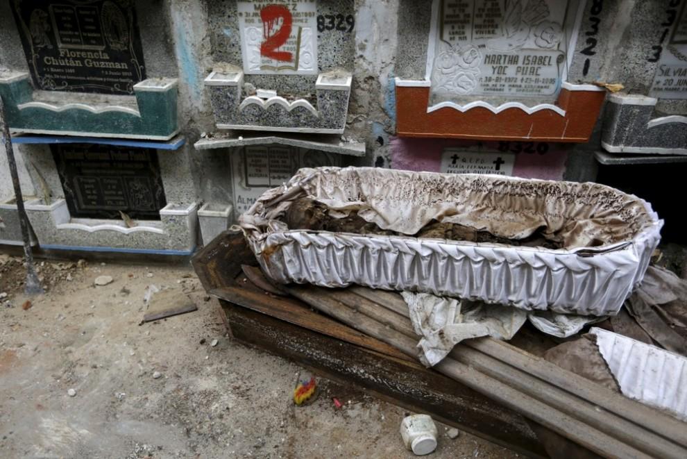 pulitori-tombe-guatemala-corpi-mummie-04