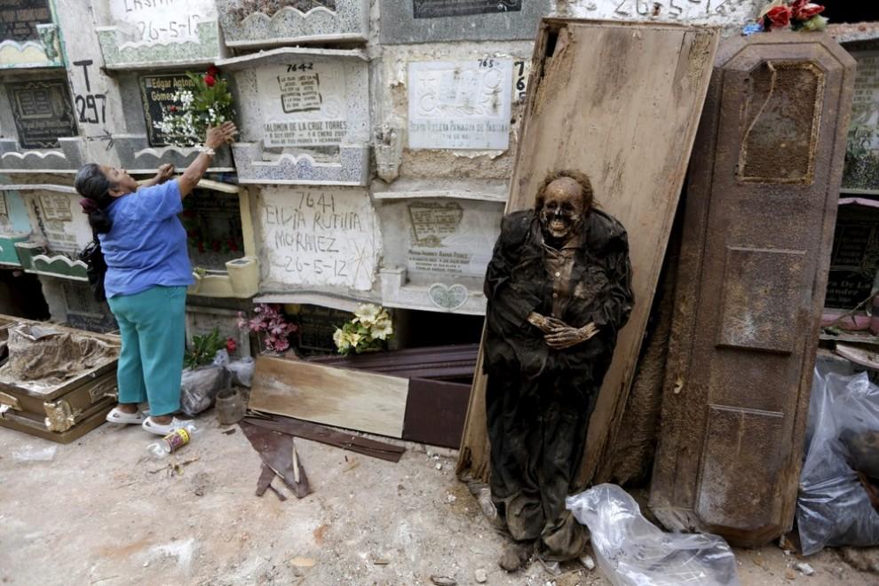 pulitori-tombe-guatemala-corpi-mummie-05