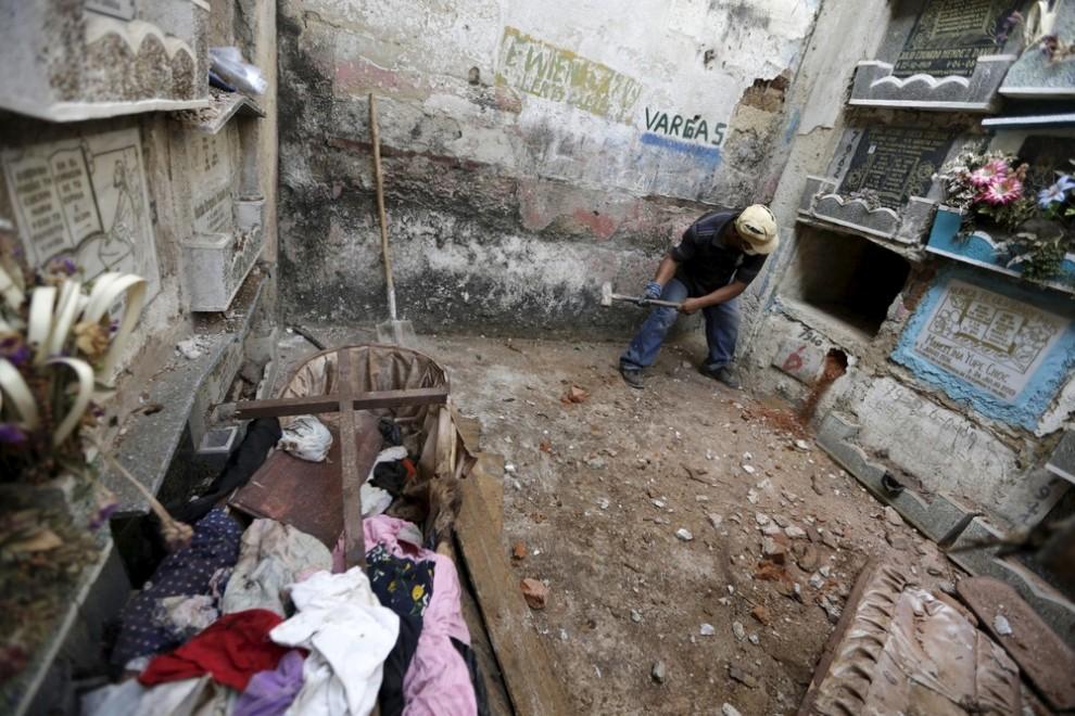 pulitori-tombe-guatemala-corpi-mummie-07