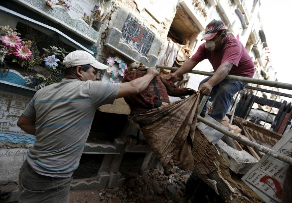 pulitori-tombe-guatemala-corpi-mummie-09