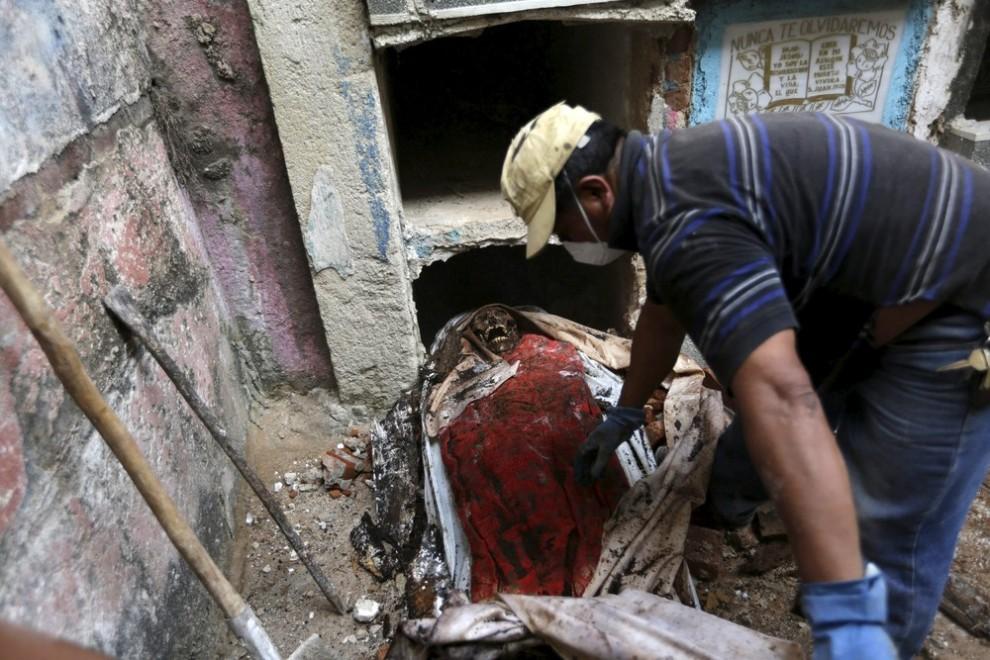 pulitori-tombe-guatemala-corpi-mummie-11