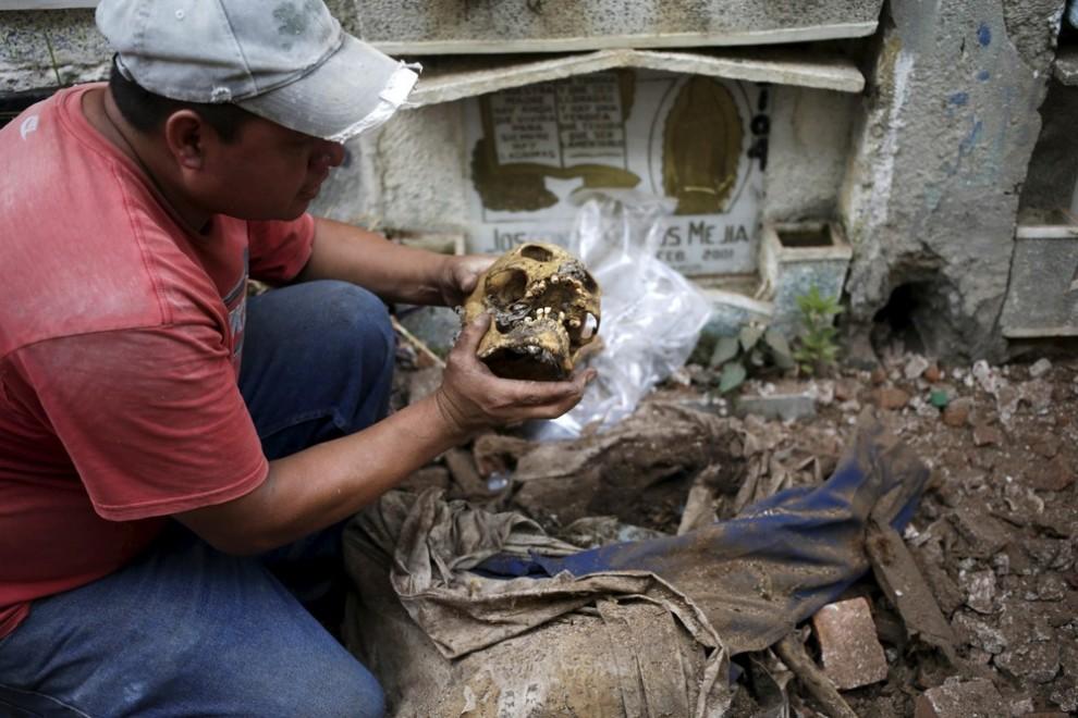 pulitori-tombe-guatemala-corpi-mummie-13