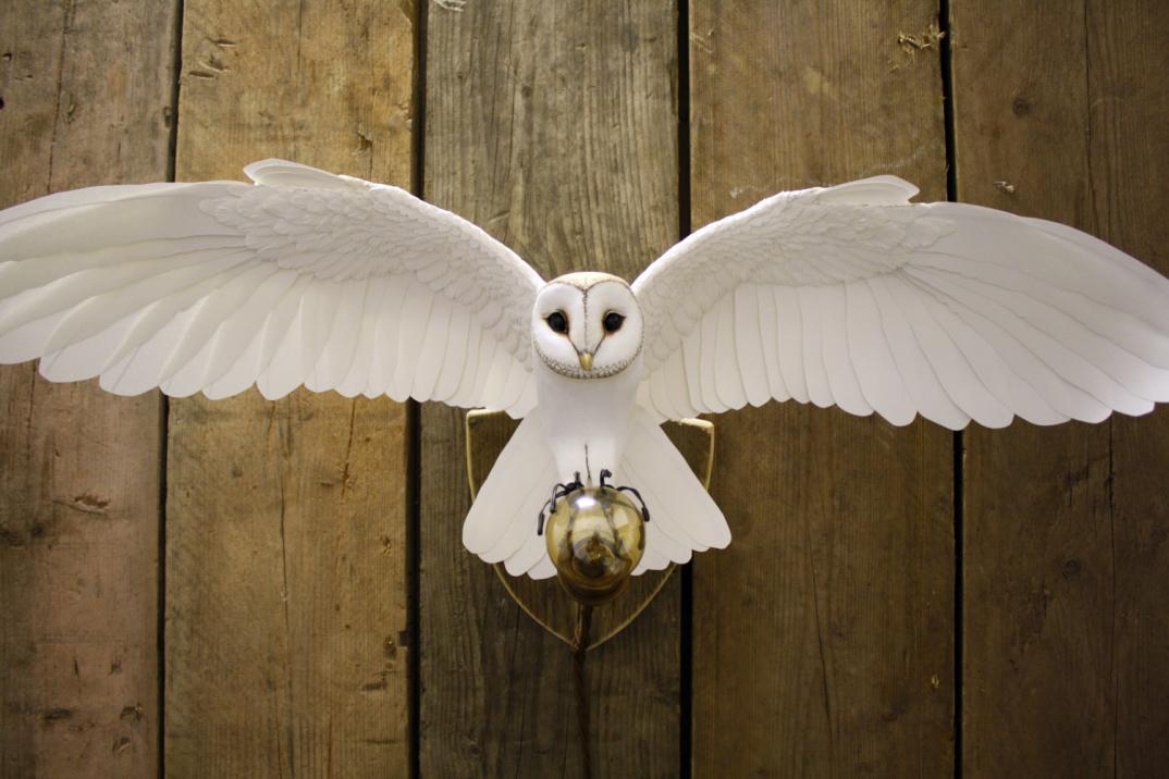 sculture-uccelli-finti-realistici-carta-Zack-Mclaughlin-03