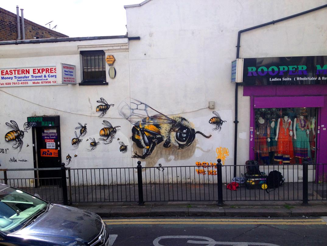 street-art-api-save-the-bees-Louis-Masai-Michel-05