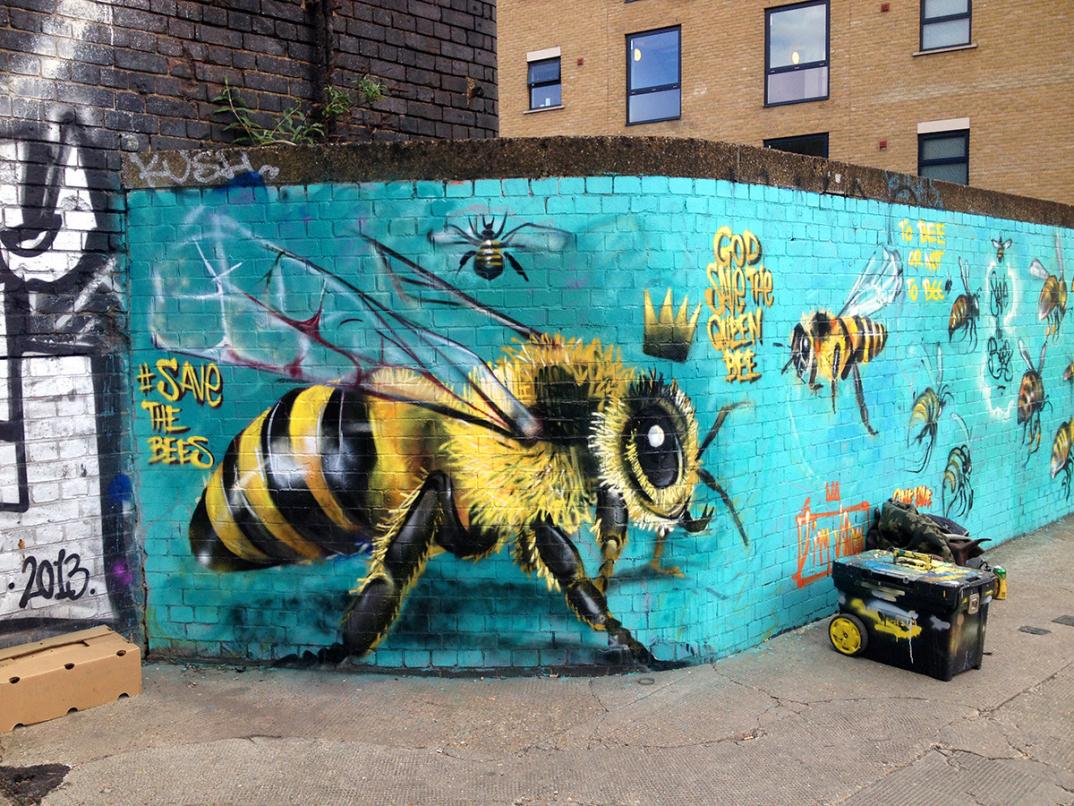 street-art-api-save-the-bees-Louis-Masai-Michel-08