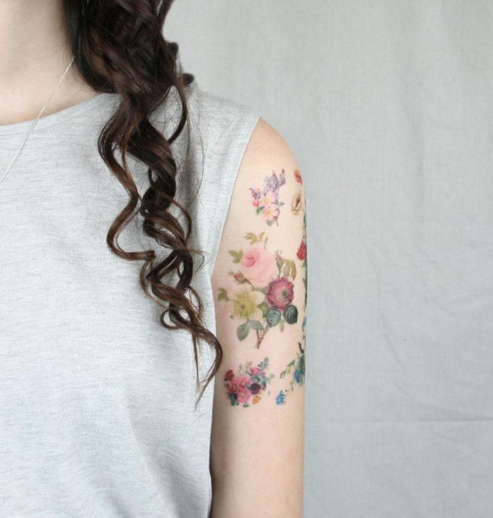 tatuaggi-temporanei-metallici-dorati-colorati-neri-esempi-moda-06