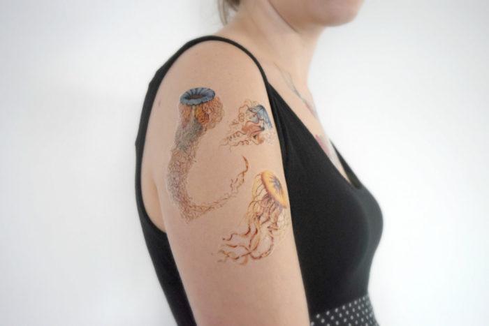 tatuaggi-temporanei-metallici-dorati-colorati-neri-esempi-moda-16