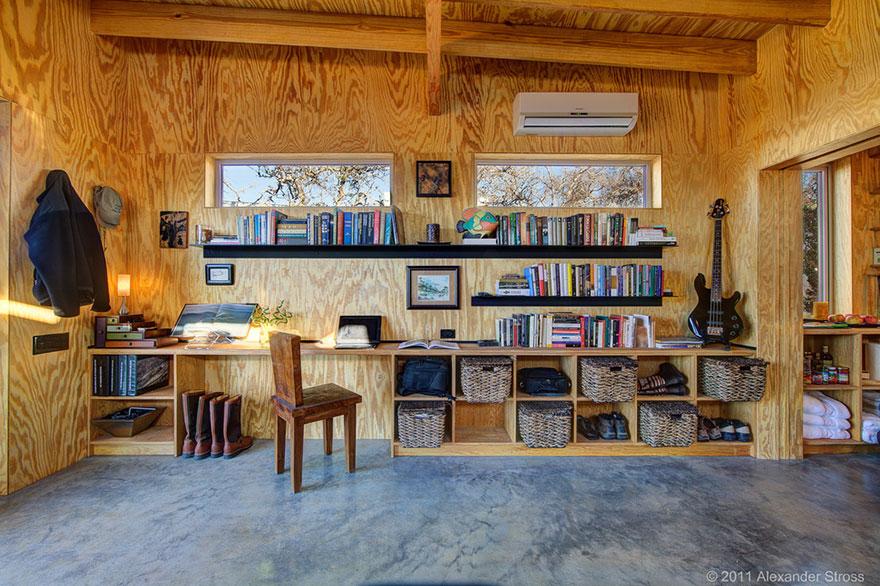 4-coppie-amici-vivono-insieme-villaggio-sostenibile-texas-09