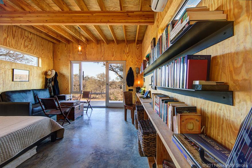 4-coppie-amici-vivono-insieme-villaggio-sostenibile-texas-11