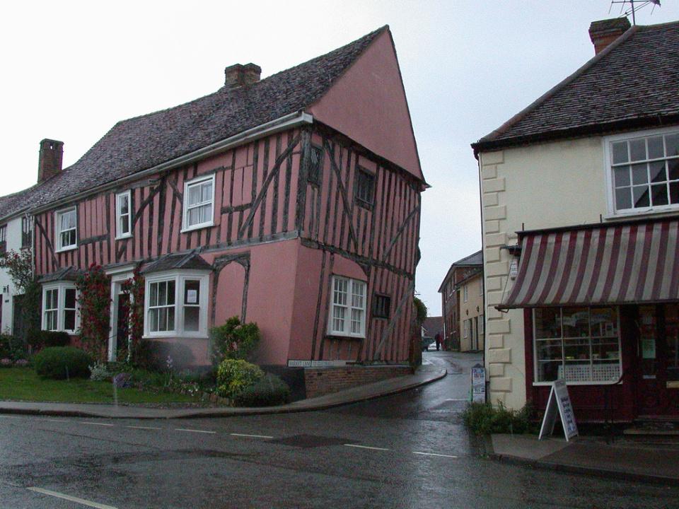Lavenham-villaggio-inghilterra-case-storte-inclinate-11