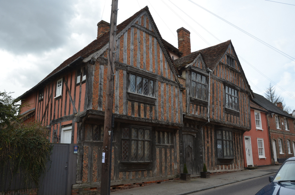 Lavenham-villaggio-inghilterra-case-storte-inclinate-15