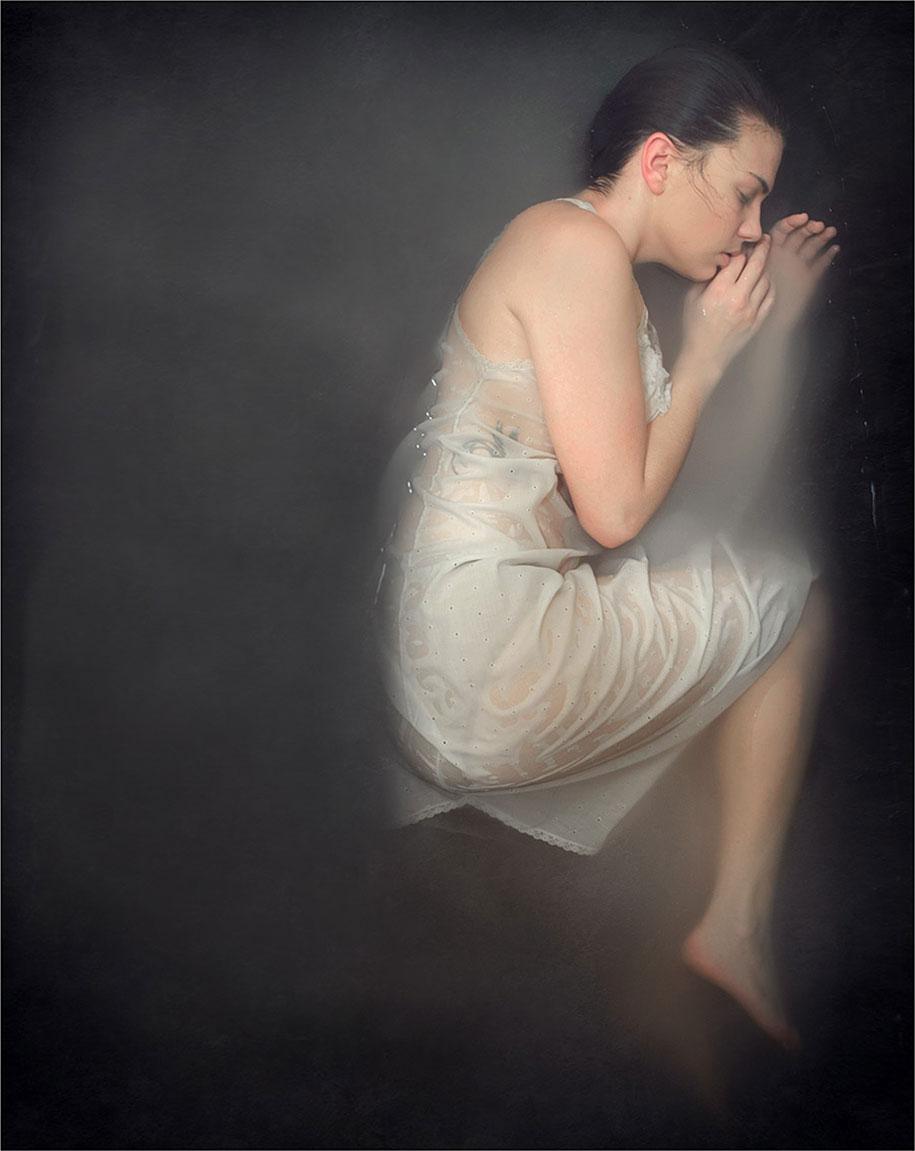 ansia-depressione-foto-surreali-autoritratti-katie-crawford-09