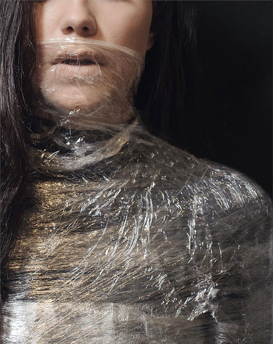 ansia-depressione-foto-surreali-autoritratti-katie-crawford-10