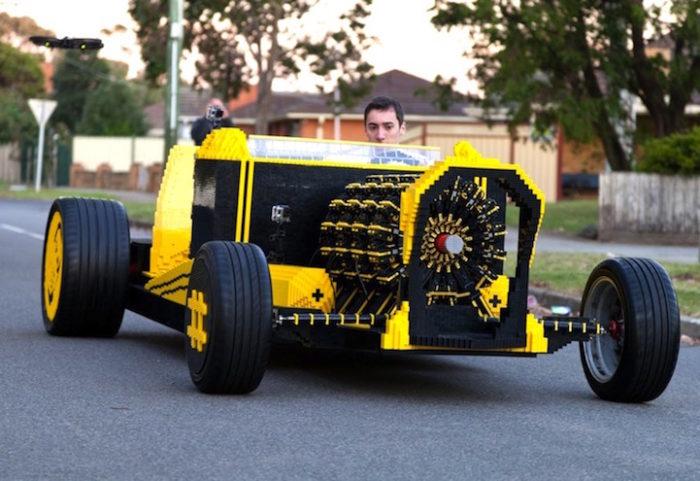 Unautomobile Hot Rod Fatta Da 500000 Pezzi Di Lego E Con Motore Ad