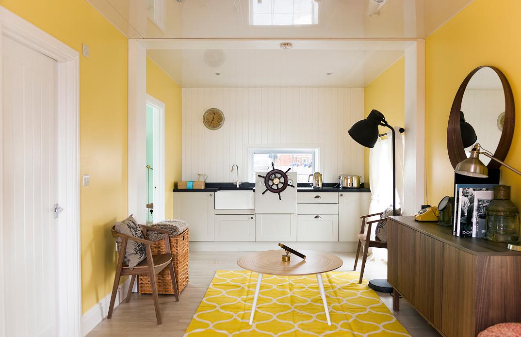 casa-galleggiante-londra-case-strane-airbnb-04