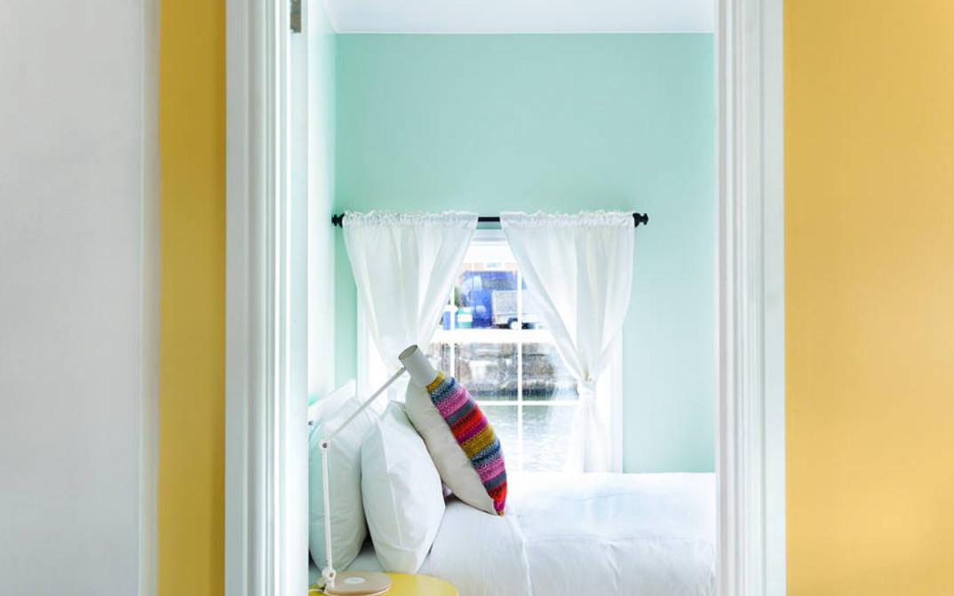 casa-galleggiante-londra-case-strane-airbnb-10
