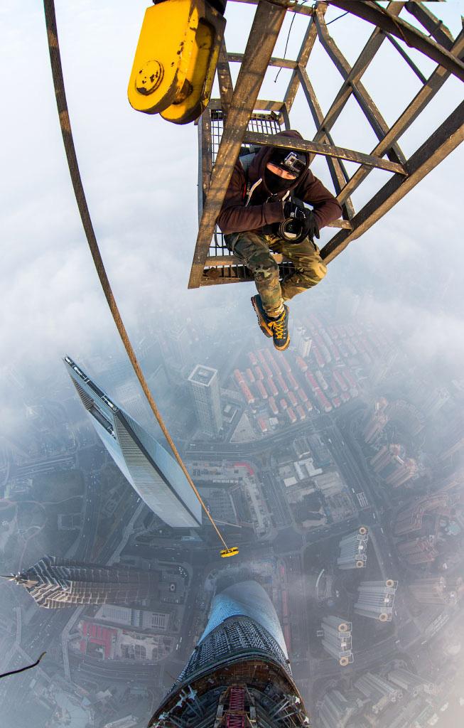 coppia-scalata-grattacielo-shanghai-tower-vitality-raskalov-02